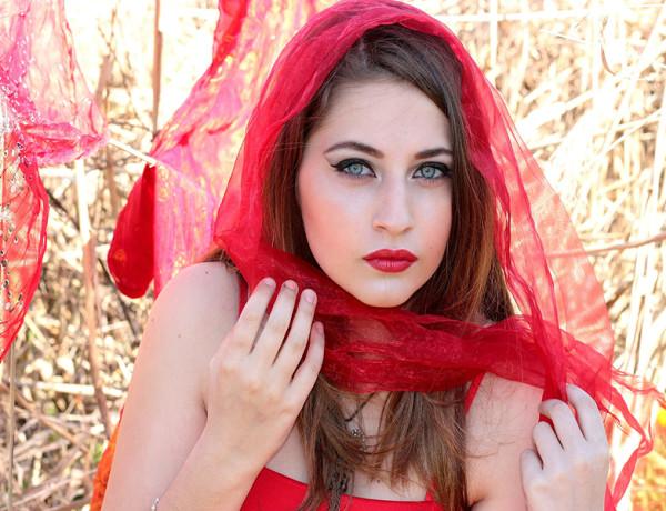 come indossare un foulard piccolo